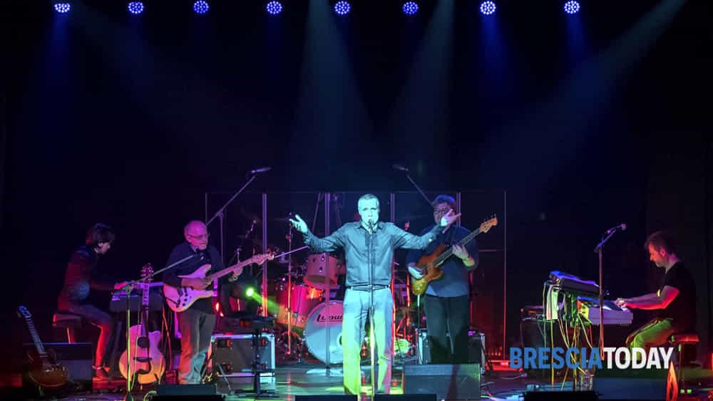 genesis tribute band per l'ospedale civile di brescia-2