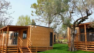 Camping Fornella San Felice bungalow-2