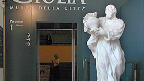 Ugo Mulas nella White Room del Museo di Santa Giulia