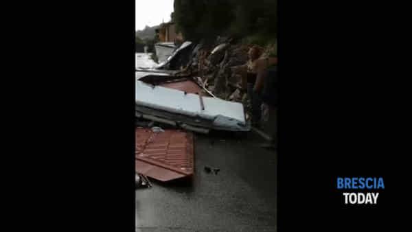 Vetrine sfondate, tetti divelti, grandine di 4 cm: il disastro della tempesta