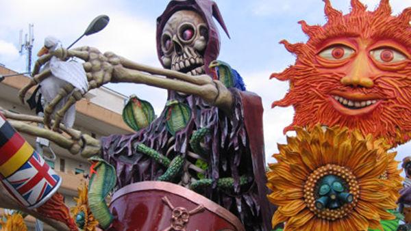 Carri, maschere e tanta musica: il Carnevale arriva a Lodrino