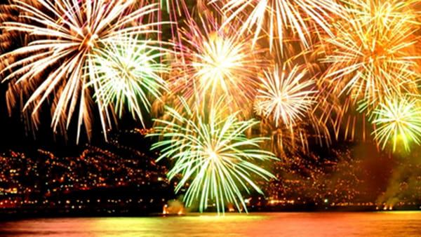 L'attesa è finita: torna il più grandioso spettacolo di fuochi d'artificio del Lago di Garda
